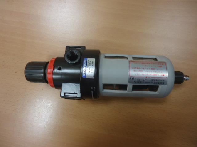Regolatotre di pressione con filtro  KOGANEI   ( Used )