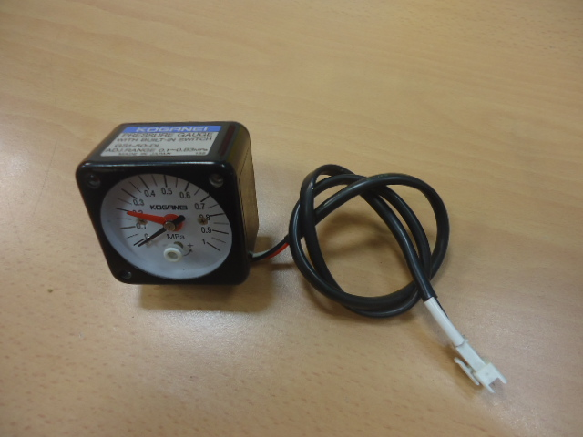 Pressure gauge con switch   KOGANEI     ( Used )