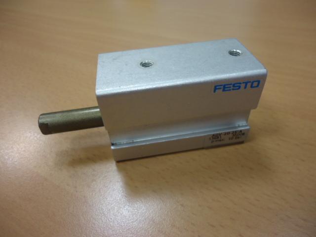 Cilindro max 10bar  FESTO Adv-20-25-a   ( Used )