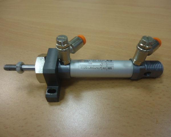 Air Cylinder   METAL WORK con 2 regolatori aria ( Used )
