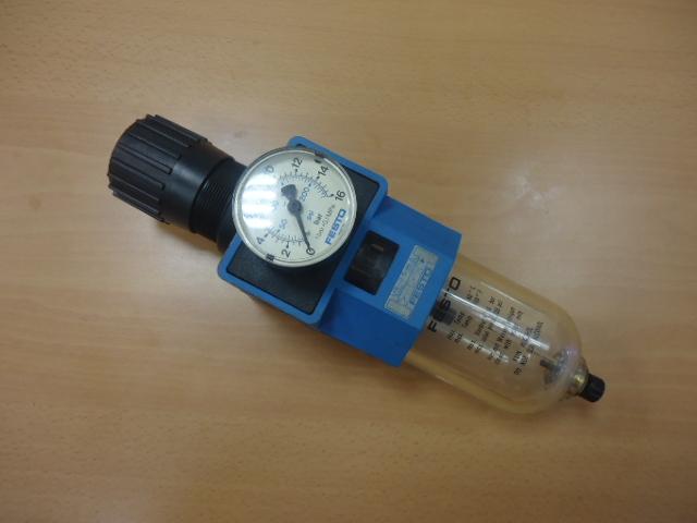 Regolatore aria 200psi max    FESTO    ( Used )