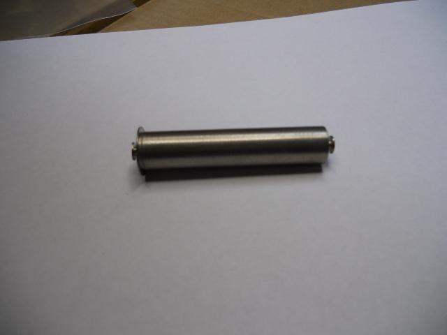 Belt bin plug in axis 44 mm.