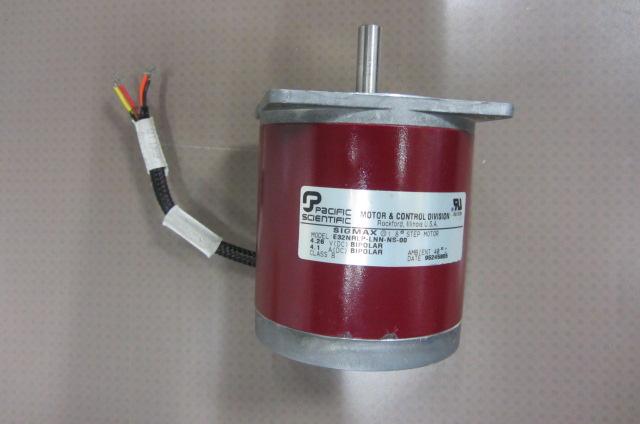 Motore  model: E32NRPL-LNN-NS-00 ( 4.6 V.dc - 4.1 A.dc )( Used )